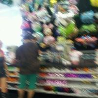 6/15/2012 tarihinde Karie M.ziyaretçi tarafından Party City'de çekilen fotoğraf