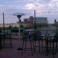 Снимок сделан в Wellman's Pub & Rooftop пользователем Joshua G. 8/7/2012
