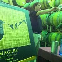 Photo prise au Imagery Estate Winery par Larry Chiang C. le7/17/2012