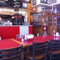 6/1/2012에 John K.님이 T. Anthony's Pizzeria에서 찍은 사진