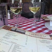 Das Foto wurde bei Grimaldi's von Amy P. am 5/1/2012 aufgenommen