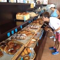 Foto scattata a Baan Bakery da adisorn il 5/19/2012