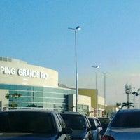 Foto tirada no(a) Shopping Grande Rio por Cristiana D. em 8/20/2012