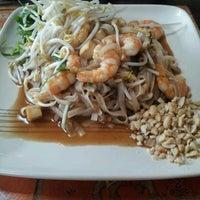 Foto tomada en Pad Thai por Vannia V. el 8/12/2012