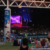 Foto tomada en Dos Equis Pavilion por Monty el 6/25/2012
