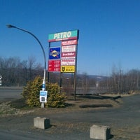 3/14/2012にCarl T.がPetro Travel Plazaで撮った写真