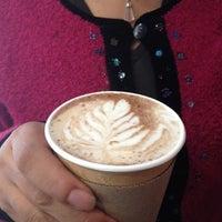 Photo prise au Caffé Toscano par Lorena R. le8/13/2012