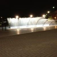 Foto tomada en Georgetown Waterfront Park por Zoe E. el 6/12/2012
