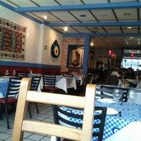 Снимок сделан в Anatolia Restaurant пользователем Felipe V. 2/9/2012