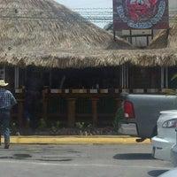 Foto tomada en El Costeñito por Carlos V. el 4/26/2012