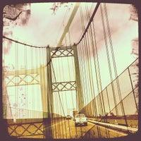 รูปภาพถ่ายที่ Vincent Thomas Bridge โดย Steve K. เมื่อ 7/25/2012