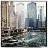 7/13/2012 tarihinde Becky B.ziyaretçi tarafından Chicago Riverwalk'de çekilen fotoğraf