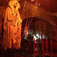 Foto tirada no(a) Last Rites Tattoo Theatre and Art Gallery por Daniel P. em 8/5/2012