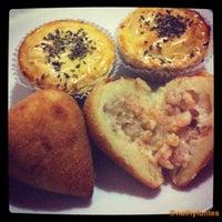 รูปภาพถ่ายที่ Coxinharia Snack Bar โดย N เมื่อ 8/9/2012