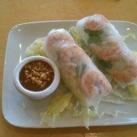3/16/2012 tarihinde Aaron L.ziyaretçi tarafından Shu Shu's Asian Cuisine'de çekilen fotoğraf