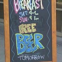 Снимок сделан в The Kinderhook Tap пользователем Snarling H. 8/28/2012