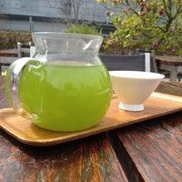 Снимок сделан в Samovar Tea Lounge пользователем Lee B. 3/19/2012