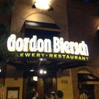 Foto tomada en Gordon Biersch Brewery Restaurant por Carlton M. el 5/5/2012