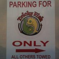 Снимок сделан в Tricky Fish пользователем Darren J. 3/29/2012