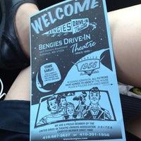 Foto tirada no(a) Bengies Drive-in Theatre por Burp Fart M. em 6/30/2012