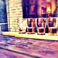 Photo prise au Bourbon par Yuliana V. le8/11/2012