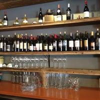 Foto scattata a Kaia Wine Bar da Jim M. il 6/17/2012