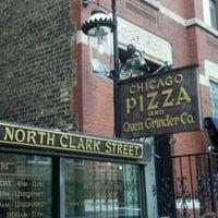 Photo prise au Chicago Pizza and Oven Grinder Co. par Kelly Y. le4/29/2012