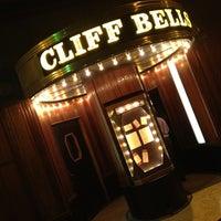 Photo prise au Cliff Bell's par Tommy A. le3/24/2012