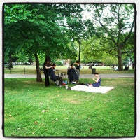 Foto tomada en McCarren Park por Maria C. el 7/15/2012
