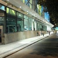 Foto tirada no(a) Shopping RioSul por Gabriel S. em 6/23/2012