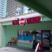 รูปภาพถ่ายที่ Jeannie's One Stop Diner โดย Blaire M. เมื่อ 6/8/2012
