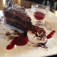 9/1/2012 tarihinde Lisa S.ziyaretçi tarafından All Chocolate Kitchen'de çekilen fotoğraf