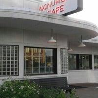 6/30/2012にJohn L.がThe Monument Caféで撮った写真