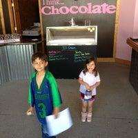 Foto scattata a Oooey Gooey Chocolate by Lane da Danny O. il 6/9/2012