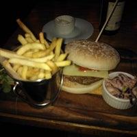 Foto diambil di The Waterloo Bar oleh Jouni J. pada 4/21/2012