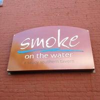 Foto tomada en Smoke on the Water por Ryan R. el 4/6/2012