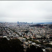 Foto scattata a Bernal Heights Park da Rob S. il 8/4/2012