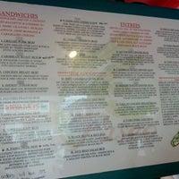 6/2/2012 tarihinde Roger L.ziyaretçi tarafından Paseo Caribbean Food'de çekilen fotoğraf