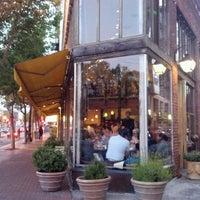 6/13/2012 tarihinde Ziyan C.ziyaretçi tarafından Zuni Café'de çekilen fotoğraf