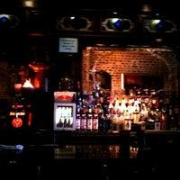 Foto tirada no(a) The Brick: Charleston's Favorite Tavern por Big John K. em 6/20/2012