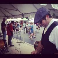 รูปภาพถ่ายที่ Randolph Street Market โดย J. E. เมื่อ 7/29/2012