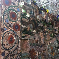 Foto tirada no(a) Philadelphia's Magic Gardens por Ana C. em 3/15/2012