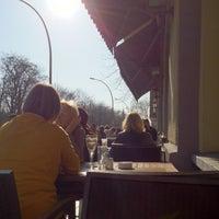 Das Foto wurde bei Il Pane e le Rose von elster e. am 3/25/2012 aufgenommen