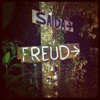 Foto tirada no(a) Freud Bar por Daniel L. em 5/19/2012