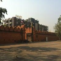 Foto scattata a Tha Phae Gate da Setthawut S. il 2/23/2012