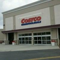 Photo prise au Costco Wholesale par Mark B. le5/25/2012
