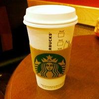 Foto scattata a Starbucks da Chris H. il 9/13/2012