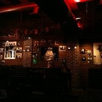 Снимок сделан в Glastonberry Pub пользователем Alina L. 7/4/2012