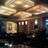 Das Foto wurde bei Uno Restaurant von Arda A. am 4/5/2012 aufgenommen