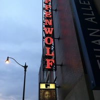 Foto scattata a Steppenwolf Theatre Company da Bill D. il 8/13/2012